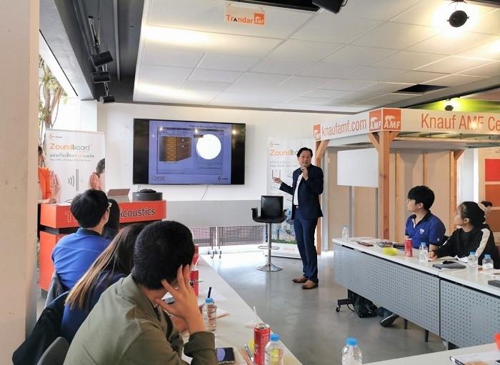 เชี่ยวชาญแทรนดาร์อะคูสติก ให้ความรู้ทฤษฏอะคูสติก สร้างความรู้ ความเข้าใจในเรื่องเสียงให้กับกลุ่มวิศวกรจากบริษัท ซี.อี.เอส จำกัด